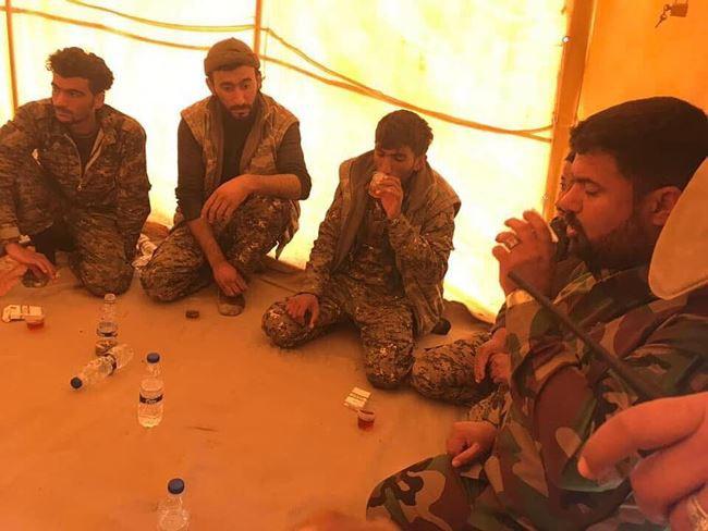 IS tấn công bằng xe bom tự sát, người Kurd thiệt hại nặng nề ở Deir Ezzor - Ảnh 12.