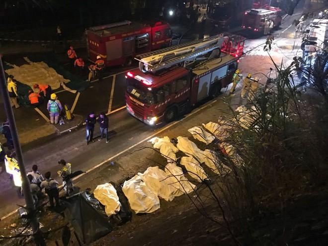 Hong Kong hủy bỏ bắn pháo hoa chào mừng năm mới, dành tiền hỗ trợ gia đình nạn nhân vụ tai nạn xe buýt thảm khốc - Ảnh 3.