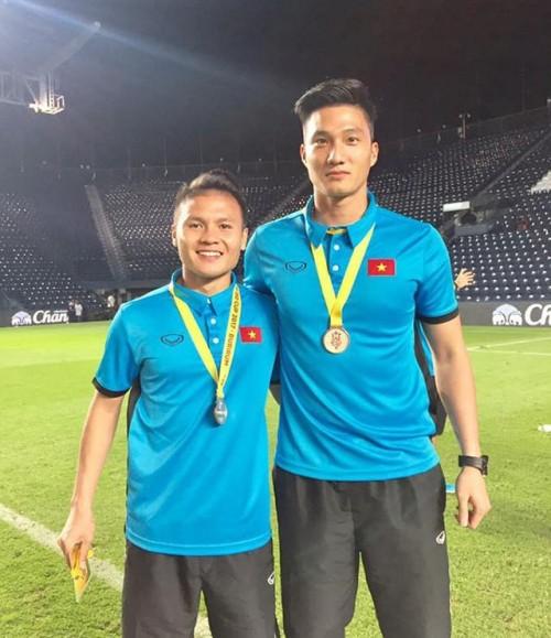 Thủ môn điển trai U23 Việt Nam: 'Tôi sẽ đưa hết tiền thưởng cho mẹ lo Tết' - Ảnh 3.