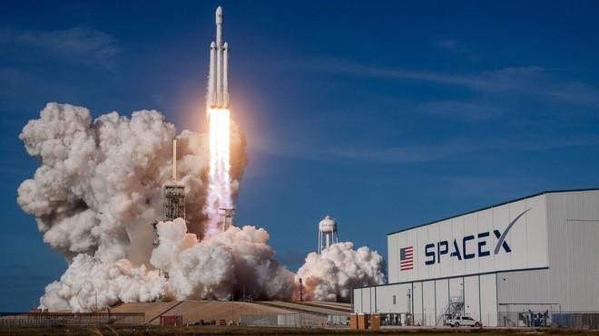 Trên chiếc Tesla mà Elon Musk vừa phóng lên Vũ trụ, có một kiện hàng bí mật có thể tồn tại cả tỷ năm - Ảnh 3.