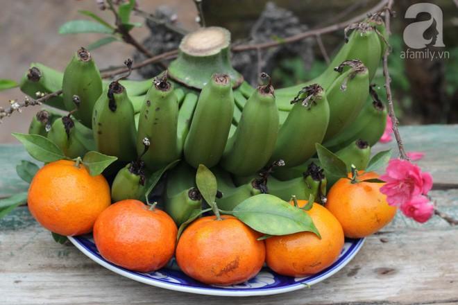 Cách chọn trái cây và bày mâm ngũ quả đơn giản nhất mà đẹp để mang may mắn cả năm - Ảnh 4.