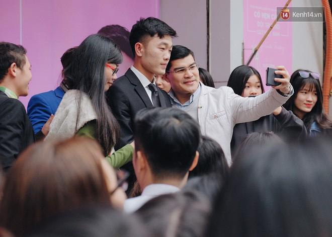 Fan Xuân Trường khóc thét: Ai nỡ dặm phấn trắng bệch hại cực phẩm của U23 thế này? - Ảnh 4.