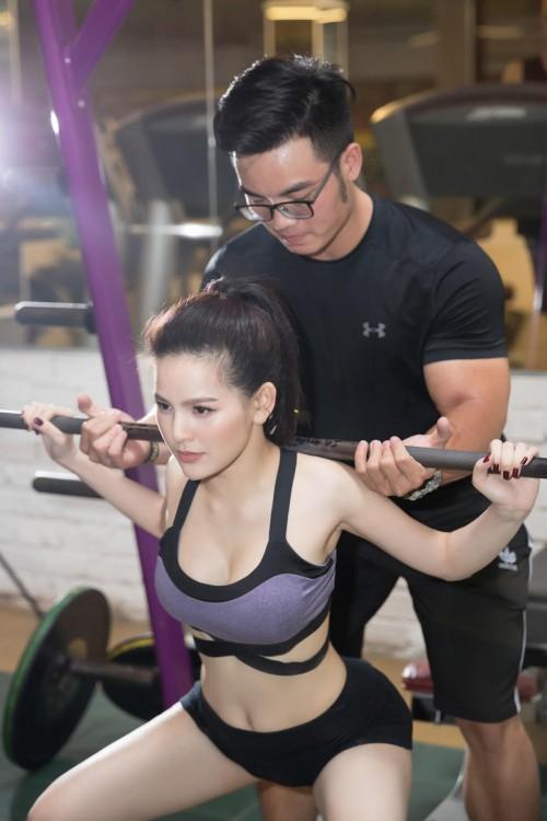 """'Đốt mắt' với bộ ảnh phòng gym nóng bỏng của 'Thánh nữ Mì Gõ"""" Trang Phi - Ảnh 4."""