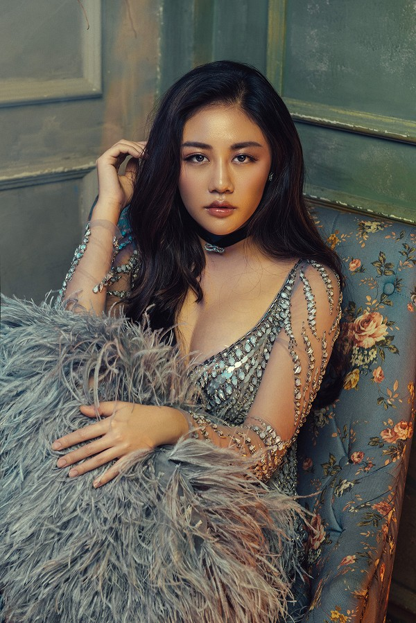 Văn Mai Hương - nữ ca sĩ tuổi Tuất đằm thắm hơn sau 2 cuộc tình đổ vỡ - Ảnh 5.