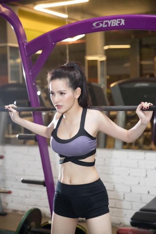 """'Đốt mắt' với bộ ảnh phòng gym nóng bỏng của 'Thánh nữ Mì Gõ"""" Trang Phi - Ảnh 7."""