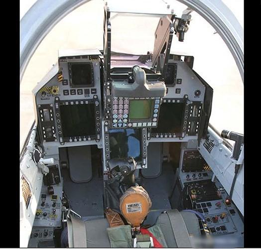Ảnh: Hỏa lực đáng gờm của máy bay tiêm kích đa nhiệm Ấn Độ Tejas - Ảnh 9.