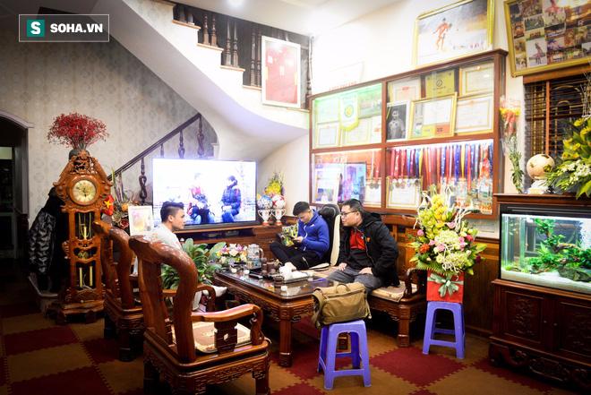 Cuối năm cùng Quang Hải: Công Phượng đã thay đổi và tốt hơn rất nhiều - Ảnh 11.