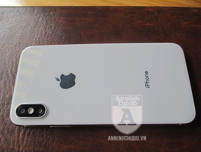 Vụ nữ học viên y tế lừa đảo, đánh tráo iPhone ở cổng viện: Chiếc iPhone giả giống thật cỡ nào? - Ảnh 5.