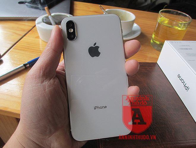 Vụ nữ học viên y tế lừa đảo, đánh tráo iPhone ở cổng viện: Chiếc iPhone giả giống thật cỡ nào? - Ảnh 13.