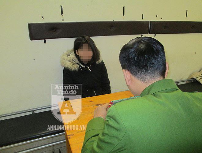 Vụ nữ học viên y tế lừa đảo, đánh tráo iPhone ở cổng viện: Chiếc iPhone giả giống thật cỡ nào? - Ảnh 15.