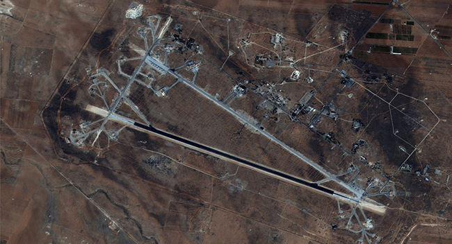 Mỹ tập kích Syria ồ ạt bằng tên lửa hành trình Tomahawk: Phòng không Syria đã ở đâu? - Ảnh 1.