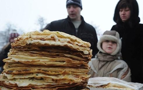 Lễ tiễn mùa Đông Maslenitsa tại Nga - ảnh 1