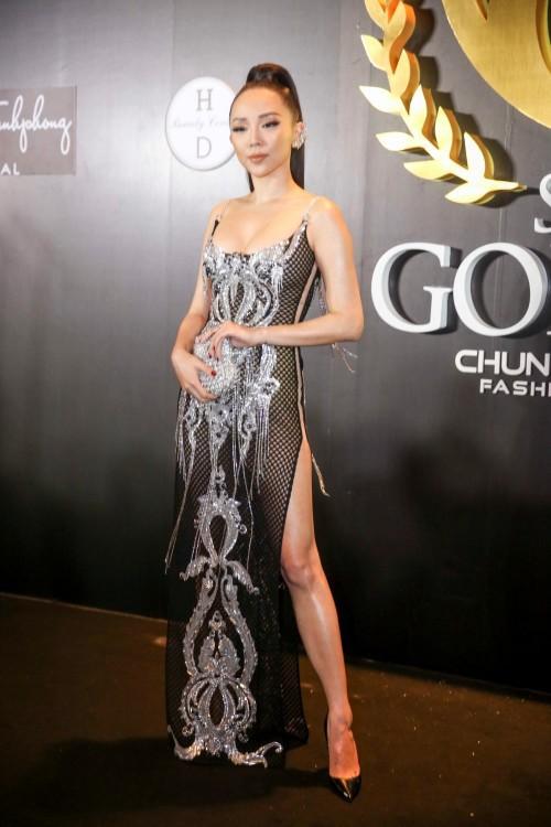 Sao Việt thích diện váy áo trong suốt dễ gây nguy hiểm, khiến người đối diện hoa cả mắt! - Ảnh 2.