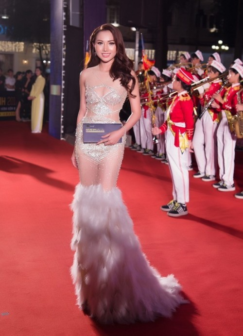 Sao Việt thích diện váy áo trong suốt dễ gây nguy hiểm, khiến người đối diện hoa cả mắt! - Ảnh 6.