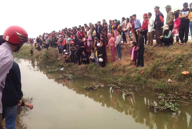 Đã bắt con cá nổi ở kênh mà người dân ùn ùn kéo đến xem mấy ngày Tết - Ảnh 3.