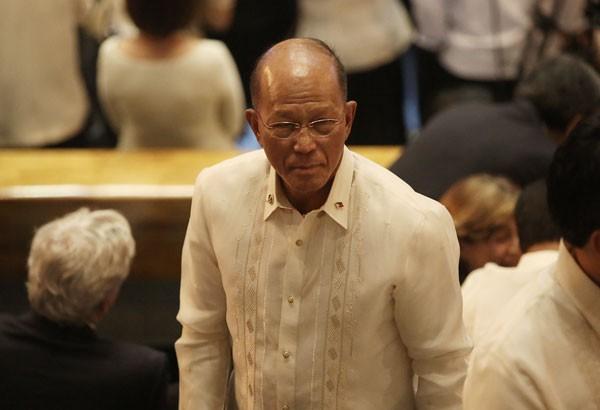 BTQP Lorenzana: Chiến cơ Trung Quốc từ biển Đông có thể dội bom Philippines trong 15 phút - Ảnh 1.
