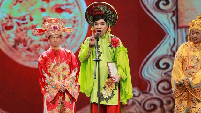 Tác giả kịch bản lên tiếng, sao Việt chia sẻ khi Táo Quân bị cộng đồng LGBT phản ứng - Ảnh 1.