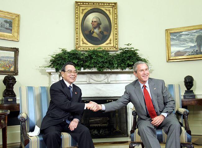 Ông Dương Trung Quốc kể về câu nói cuộc đời là như vậy đấy của nguyên Thủ tướng Phan Văn Khải - Ảnh 2.