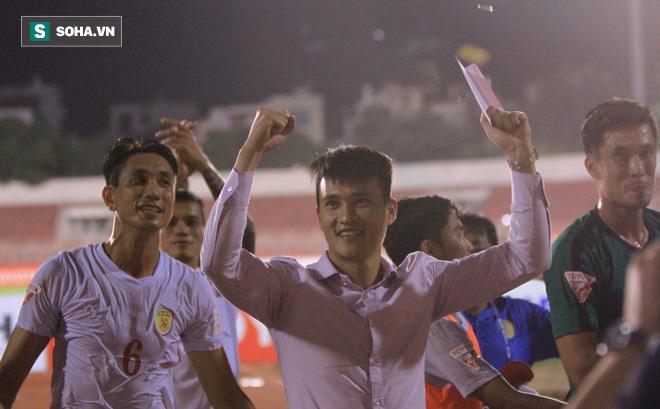 Cầu thủ bị Chủ tịch CLB Sài Gòn bỏ rơi được Công Vinh tiếp nhận ở phút chót - Ảnh 1.