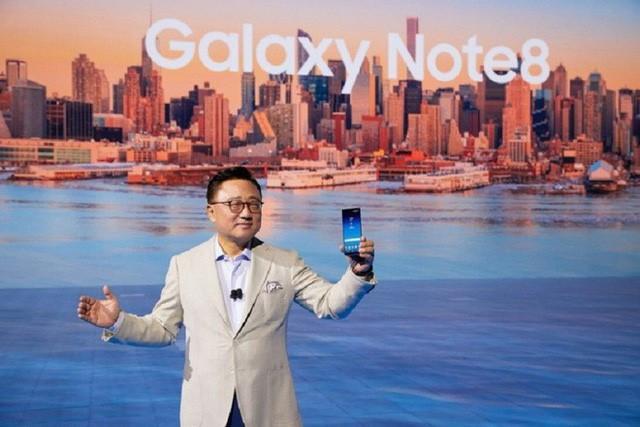 Galaxy S9 và ván bài lạ lùng nhất trong lịch sử công nghệ - Ảnh 1.
