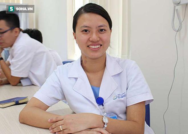 Bác sĩ khoa Nhi bày cách sơ cứu sặc sữa ở trẻ sơ sinh mẹ nào cũng cần biết - Ảnh 1.