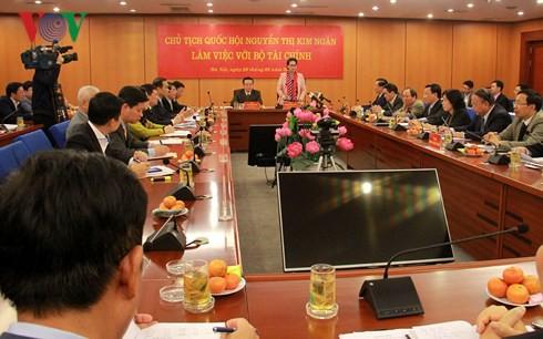 Chủ tịch Quốc hội Nguyễn Thị Kim Ngân làm việc với Bộ Tài chính - Ảnh 1.