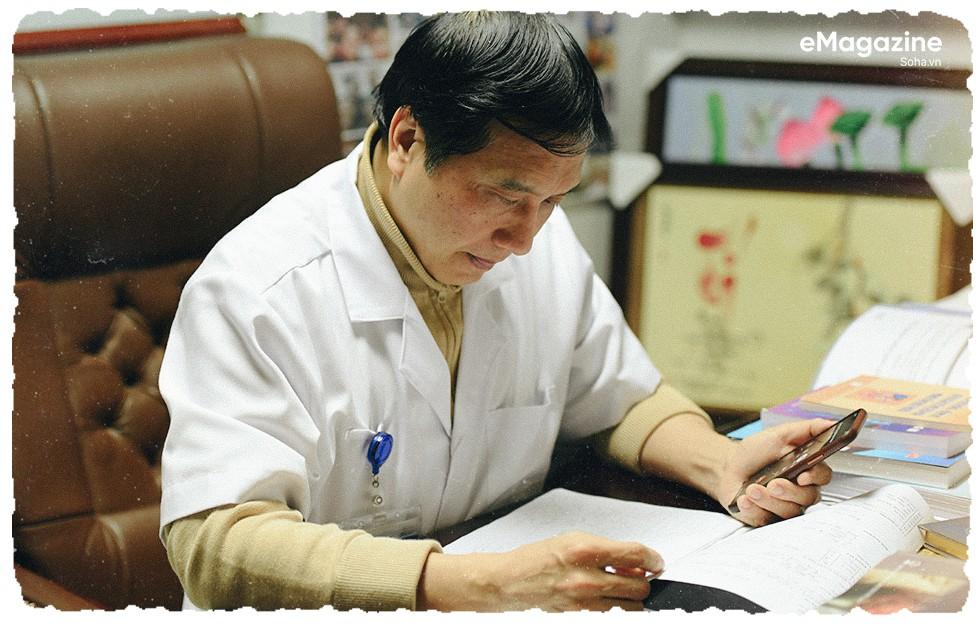 """GS.TS Trịnh Hồng Sơn: """"Nhiều người bảo tôi dại dột, ngu dốt khi từ chối thăng chức"""" - Ảnh 15."""
