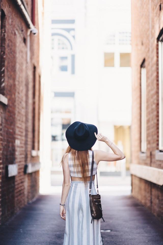 Đây là từ duy nhất ngăn cản bạn trên con đường đi tìm hạnh phúc, càng bỏ sớm bạn càng dễ sống an nhiên hơn - Ảnh 2.