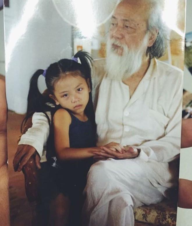 Đặng Tiểu Tô Sa - cháu gái cưng của thầy Văn Như Cương đã lớn và ngày càng xinh đẹp! - Ảnh 1.