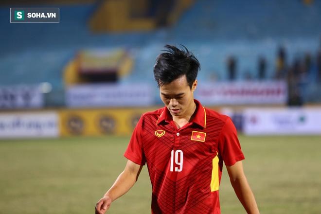 Rời U23 Việt Nam trở về HAGL, sát thủ ngày nào đối diện thực tại khó khăn - Ảnh 1.