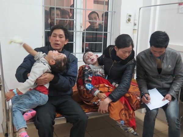 Hà Tĩnh: Nổ bình ga, 7 học sinh tiểu học bỏng nặng phải đi cấp cứu - Ảnh 2.