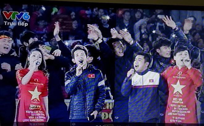Chỉ duy nhất Mỹ Tâm làm được điều tuyệt vời này khi xuất hiện cùng U23 Việt Nam - Ảnh 2.