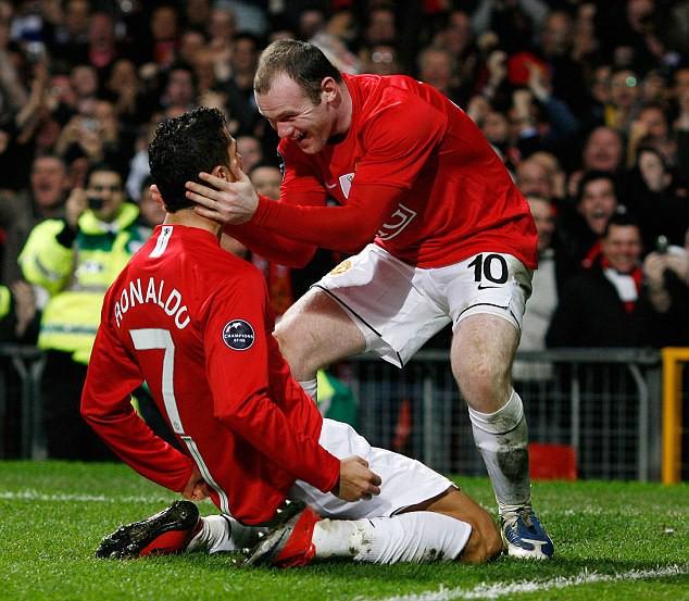 Đè bẹp huyền thoại Liverpool chỉ với 1 câu nói, Rooney làm nức lòng CĐV Man United - Ảnh 2.
