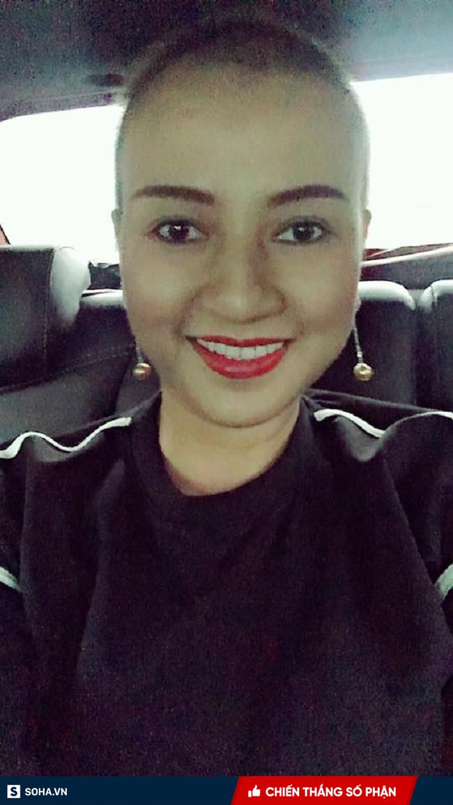 Người phụ nữ ung thư có nụ cười sáng bừng sức sống: Bí quyết không run sợ, không kiệt sức - Ảnh 2.