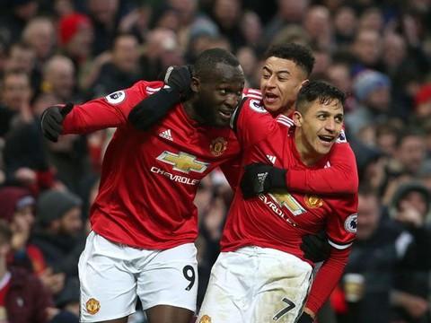 Cuộc đua top 4 Premier League: M.U vững vàng. Arsenal đang hưởng lợi từ... Chelsea - Ảnh 1.