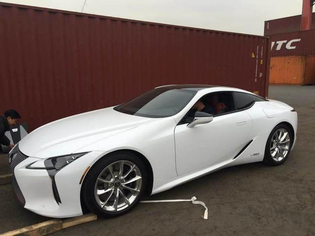 Lexus LC 500h thứ hai xuất hiện tại Việt Nam, giá bán lên tới 5 tỷ đồng - Ảnh 3.