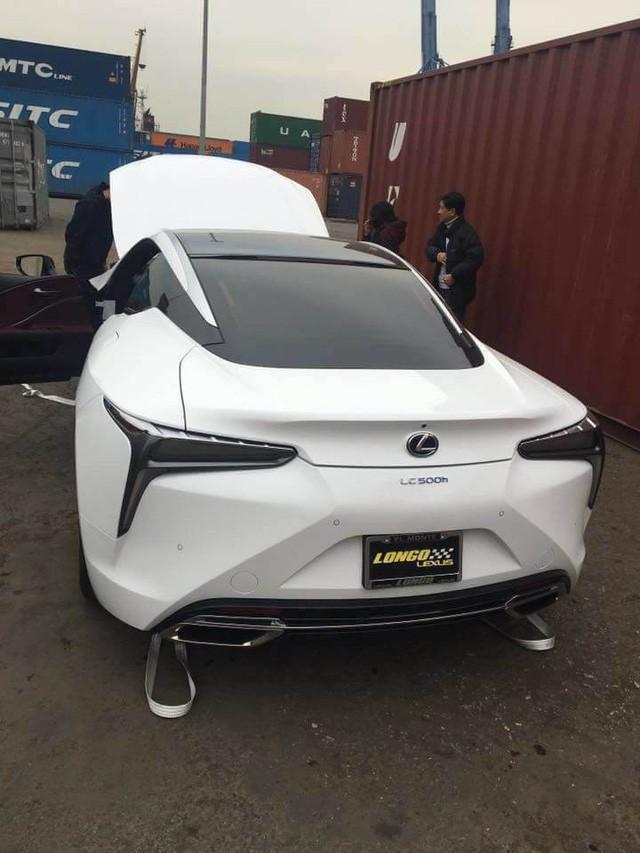 Lexus LC 500h thứ hai xuất hiện tại Việt Nam, giá bán lên tới 5 tỷ đồng - Ảnh 4.