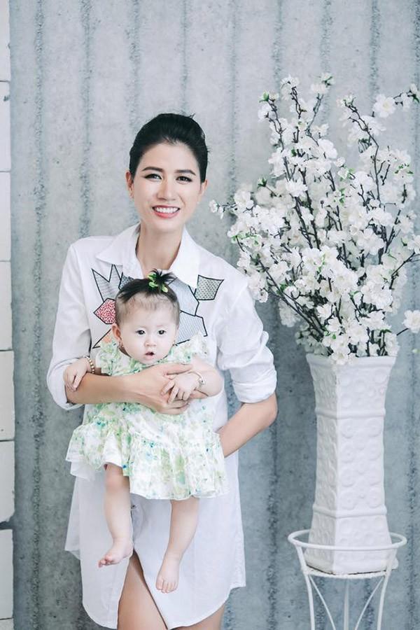 Trang Trần, Hari Won, Kha Ly đón Tết cùng gia đình chồng như thế nào? - Ảnh 1.