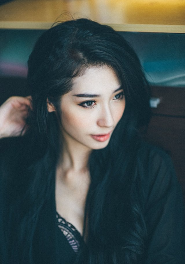 Bạn gái Ngô Kiến Huy ngày càng nóng bỏng, gợi cảm - Ảnh 3.