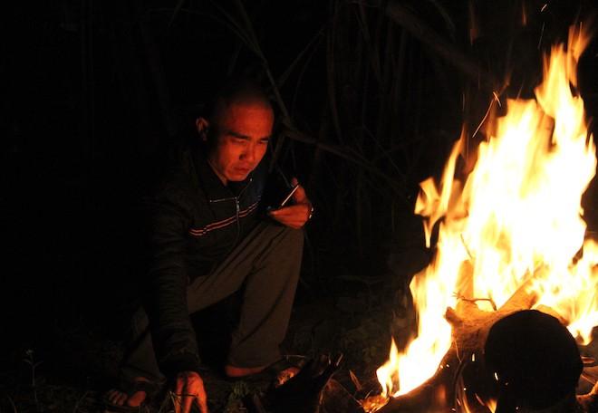 Trắng đêm ngồi co ro đốt củi sưởi ấm để canh đào, quất, hoa Tết 14