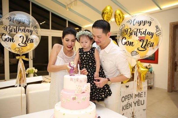 Trang Trần, Hari Won, Kha Ly đón Tết cùng gia đình chồng như thế nào? - Ảnh 2.
