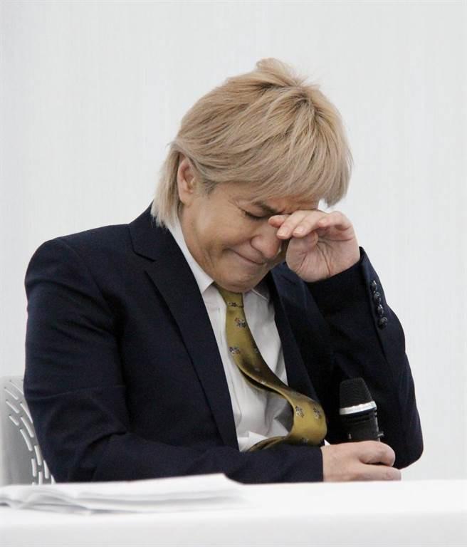 Sao Nhật Bản bị tố ngoại tình khi vợ ốm liệt giường: Tôi đã mất năng lực đàn ông - Ảnh 2.