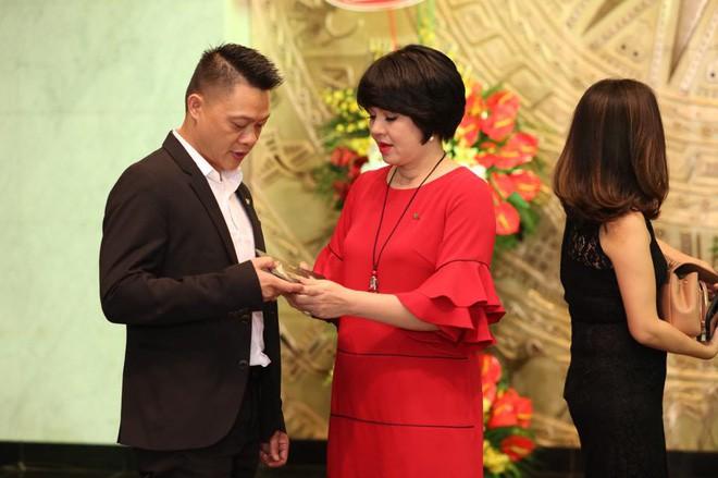 MC Diễm Quỳnh: Đằng sau chuyện mang thai ở tuổi 45  - Ảnh 1.