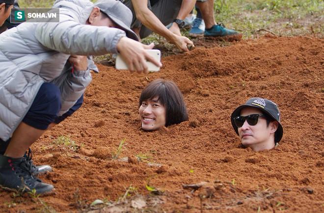 Huy Khánh, Kiều Minh Tuấn bị chôn sống trên phim trường Lật mặt 3 - Ảnh 4.