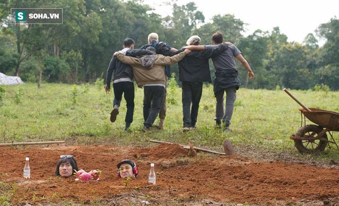Huy Khánh, Kiều Minh Tuấn bị chôn sống trên phim trường Lật mặt 3 - Ảnh 6.