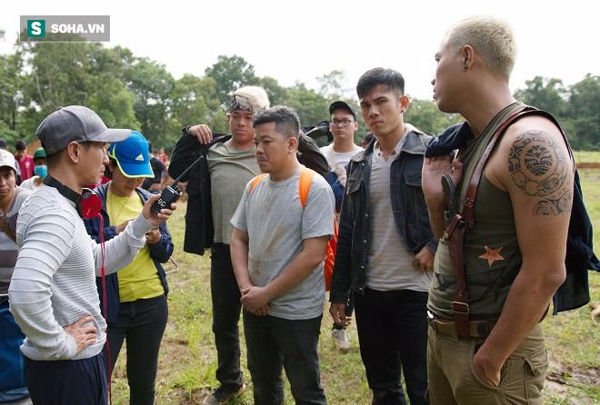 Huy Khánh, Kiều Minh Tuấn bị chôn sống trên phim trường Lật mặt 3 - Ảnh 1.
