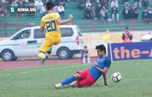 Báo Malaysia khâm phục Phan Văn Đức, thở phào vì đội nhà không thua đậm SLNA - Ảnh 1.