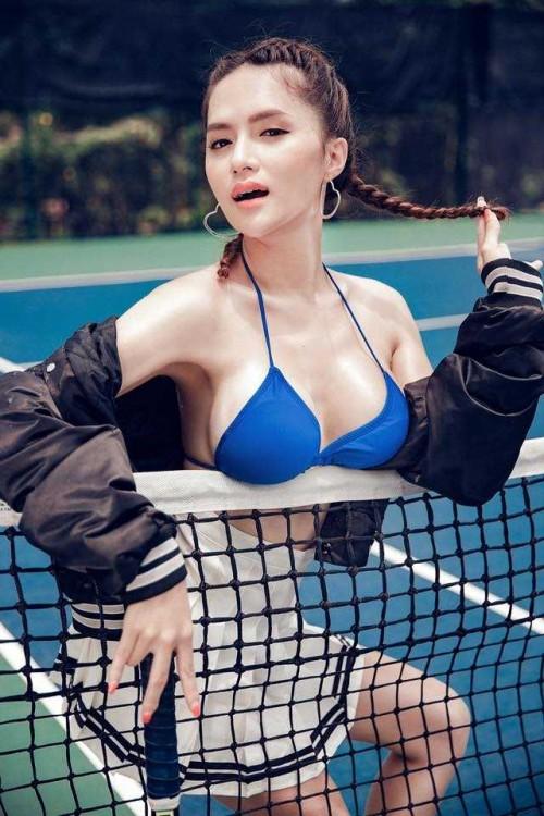 Ngắm vẻ đẹp sexy 'vô đối' của Hoa hậu Hương Giang trên sân quần vợt - Ảnh 5.