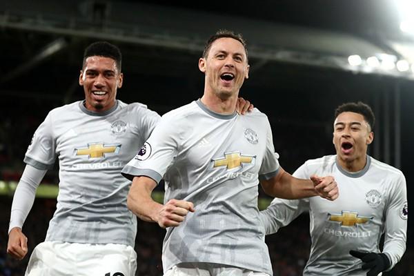 Cuộc đua Top 4 Premier League: M.U vững dạ, Chelsea, Tottenham vẫn bất an - Ảnh 1.