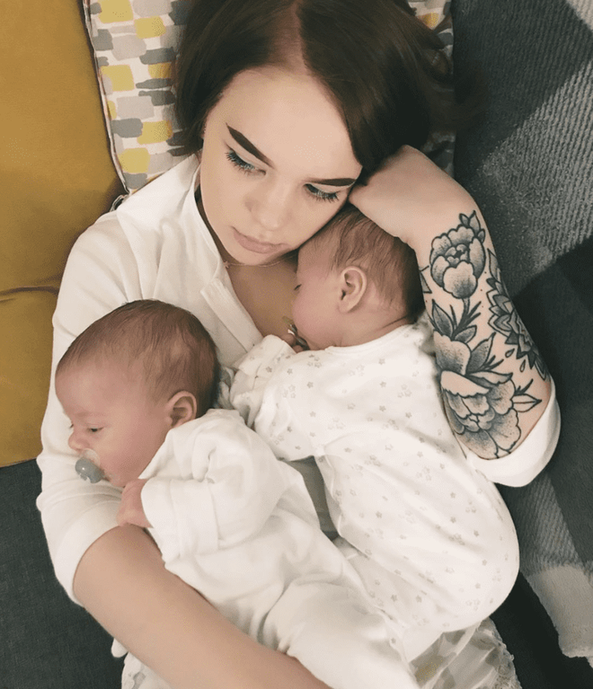 Không phải hình ảnh 2 con trai kháu khỉnh, đây mới là bức ảnh nhận được nhiều like nhất của bà mẹ sinh đôi - Ảnh 6.